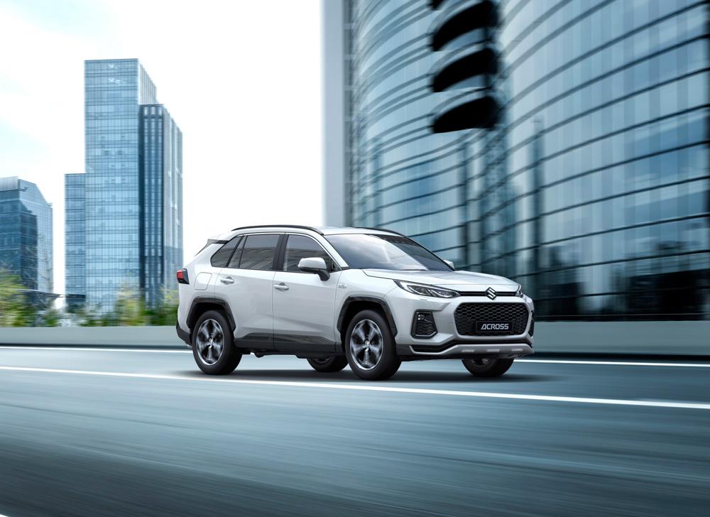 Suzuki-introduceert-nieuw-topmodel-Suzuki-Across